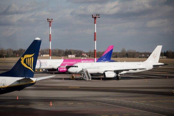 Užsienyje įstrigusiems lietuviams organizuojami papildomi skrydžiai: bilietų kainos iki 573 eurų