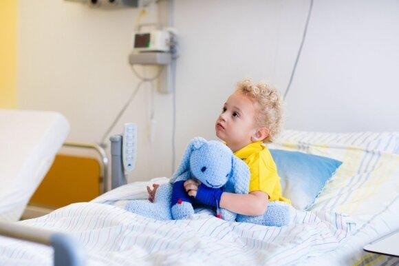 Pulmonologas kreipiasi į tėvus: jei peršalimo metu pastebite 5 požymius, būtina kreiptis į gydytojus