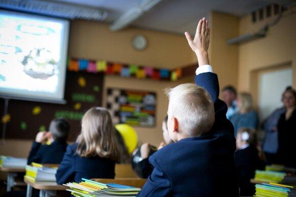 Į Suomiją stažuotis išvykstanti mokytoja pastebi: mokinių tėvai kartais sau leidžia per daug