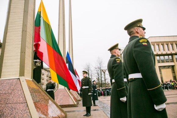 Lietuva mini nepriklausomybės atkūrimo metines, tūkstančiai išėjo švęsti į gatves