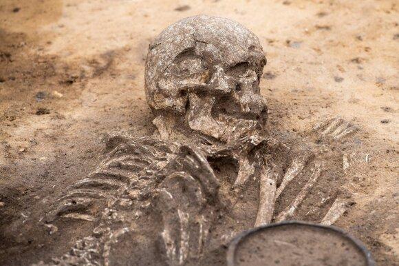 Žmonės veikiausiai buvo žiauriai nužudyti atliekant aukojimo ritualus.
