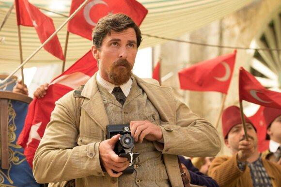 """Kadras iš filmo """"Pažadas"""", Christianas Bale'as"""