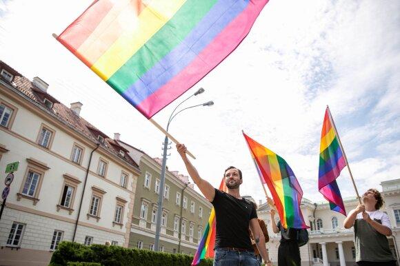Ištyrė nuotaikas dėl partnerystės: Raskevičius sako, kad visuomenės nuomonė keisis