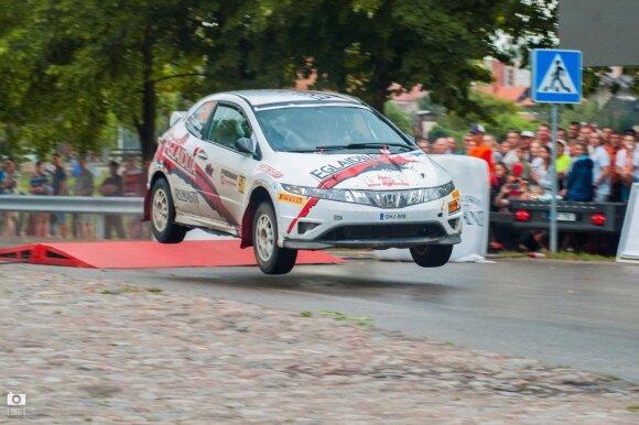 "Audronio Gulbino ""Honda Civic Type-R"""
