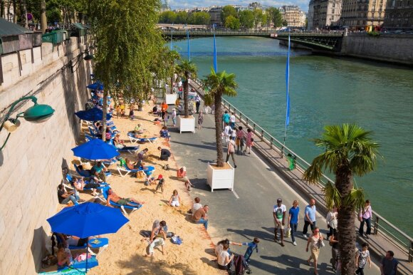 11 geriausių dirbtinių paplūdimių esančių miesto centre
