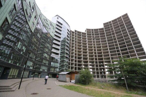 Butai Vilniaus centre: vabzdžių debesys ir gyvenimas ant pamazgų duobės