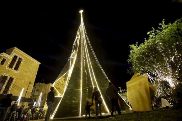 Kalėdų eglutė - auksinis medis Bible, Libane