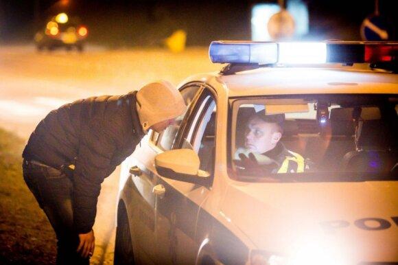 Neblaivūs vairuotojai šiemet kelyje nužudė 17, sužeidė – šimtus žmonių