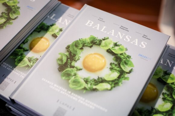 Pristatyta knyga, griaunanti sveikos mitybos mitus: kas iš tiesų yra sveika