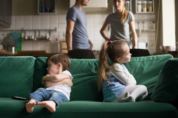 Vaikai pyksta