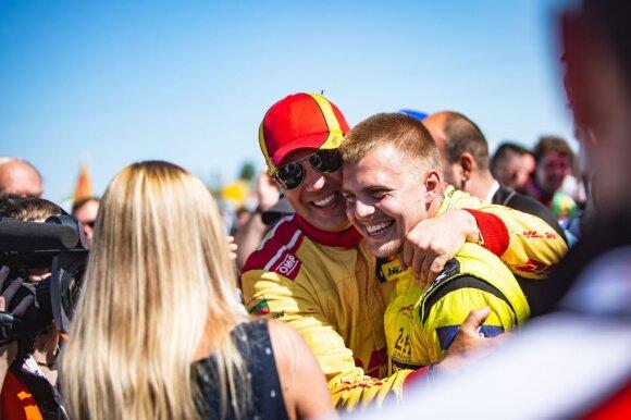 """""""DHL Racing"""" komanda"""