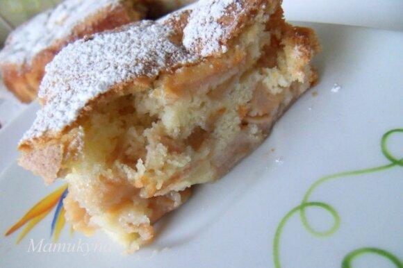 Purus obuolių pyragas su labai daug obuolių