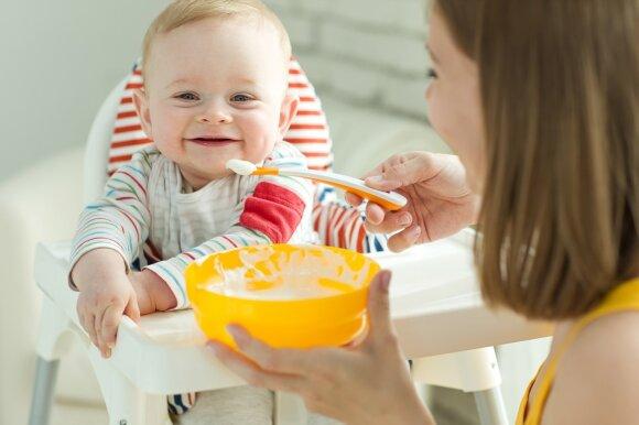Kūdikis valgo