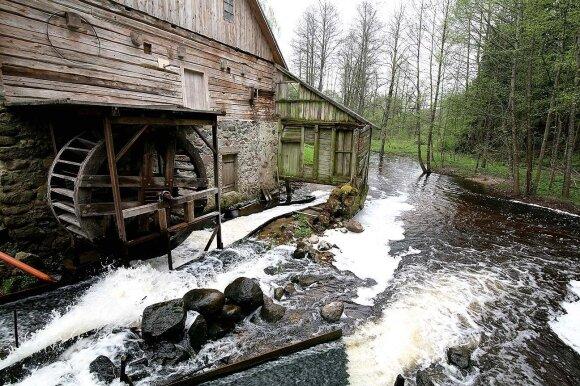 Šlyninkos malūnas – vienas seniausių dar veikiančių šios rūšies statinių Lietuvoje