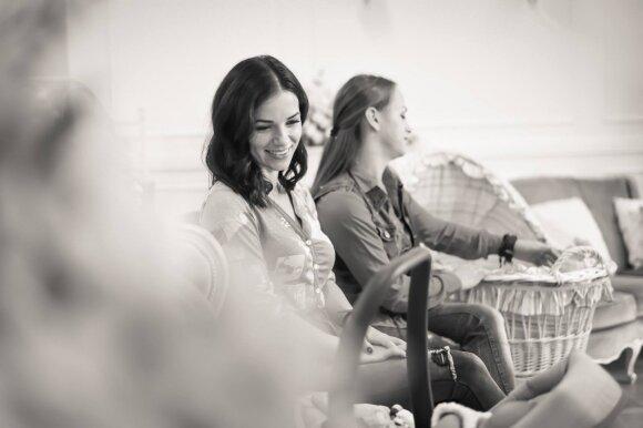 Ineta ir Irūna su mažyliais (Barboros fotostudija)