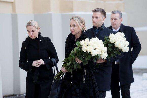 Mirusio Sauliaus Karoso kūnas parskraidintas į Vilnių: Šv. Jonų bažnyčioje su velioniu atsisveikina šeima ir bičiuliai