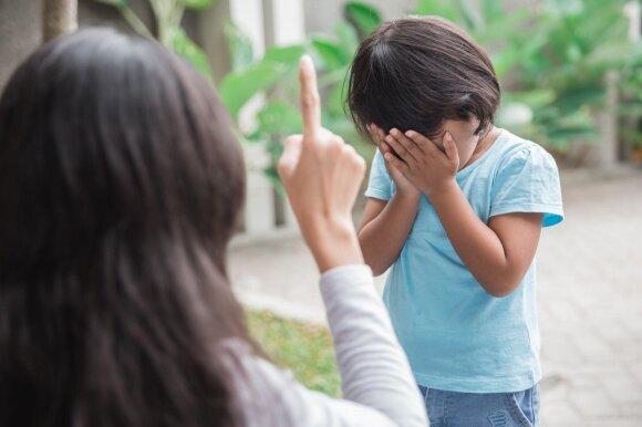 Austėja Landsbergienė prieštarauja šiuolaikiniams tėveliams: vaikas neturi būti šeimos bosas