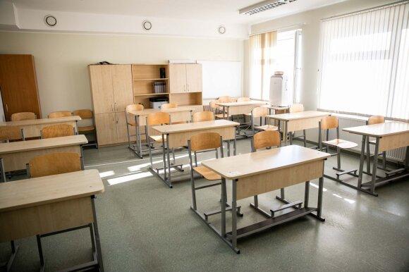 Tokios Rugsėjo 1-osios Lietuvoje dar nebuvo: dalies mokinių laukia pamokos namuose, mokytojų gretose – baudų baimė