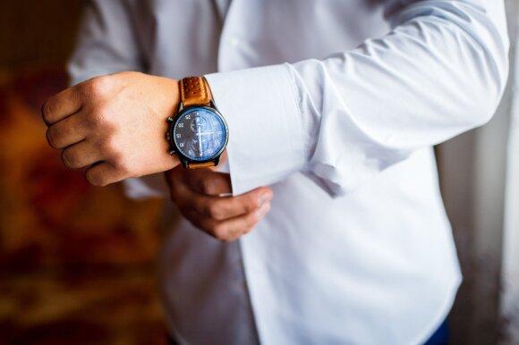Aršūs debatai keistu klausimu: ar reikia sekso metu nusiimti laikrodį?