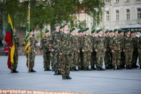 Ambicinga idėja Lietuvai, kuriai abejingi neliko ir kariškiai: ar toks siekis realus?