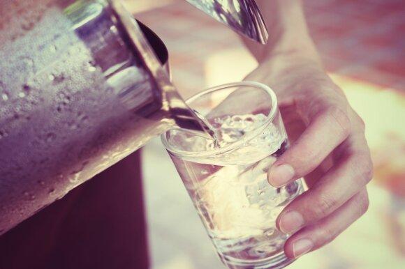 Kas yra perteklinis vandens svoris ir kaip jo atsikratyti?
