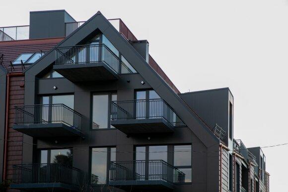 Daugiau nei pusę būstų lietuviai nuperka be paskolų: pinigus neša tiesiog lagaminėlyje