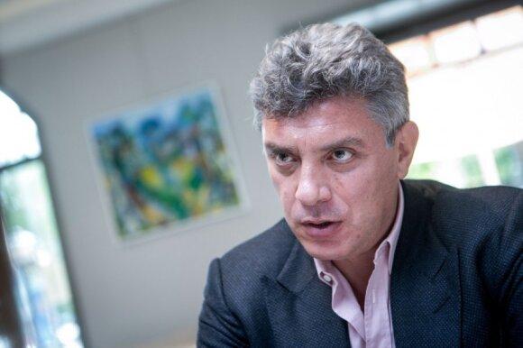B. Nemcovas pranašauja V. Putinui paspringimą