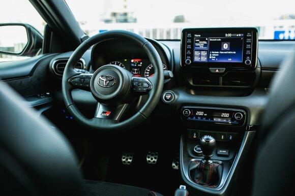 """Naujo """"Toyota GR Yaris"""" testas: automobilis, kurį reikia įsirašyti į svajonių sąrašą"""