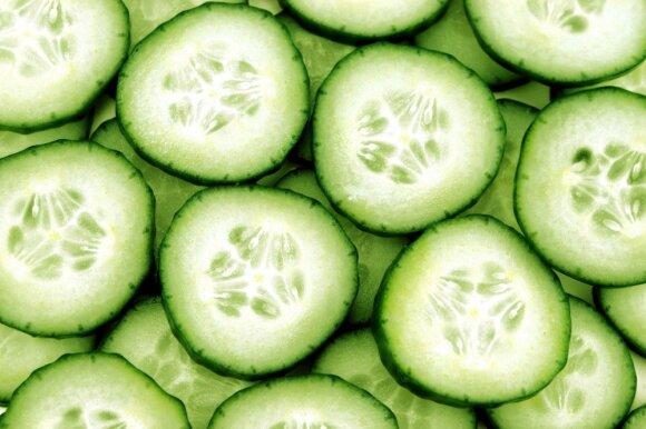 Agurkas – daržovė, kurios šiuo metu būtina valgyti kuo daugiau: rauginti, salotos ir limonadas