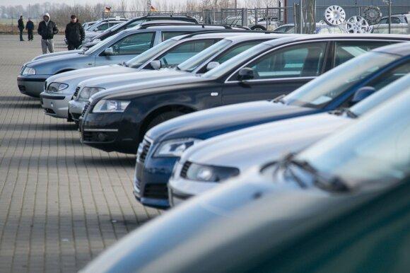 Rėžė naudotų mašinų pirkėjams: automobiliai čia pigesni ne dėl to, kad esame stebuklų šalis