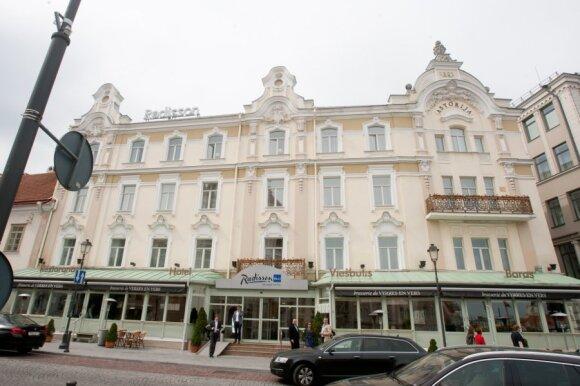 Artėjant laukiamiausiam liepos renginiui verslininkai trina rankomis: net ir brangiausi viešbučiai užpildyti