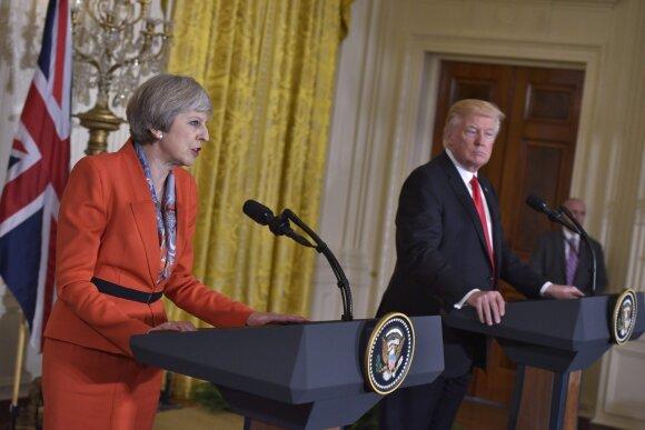 T. May ir D. Trumpas