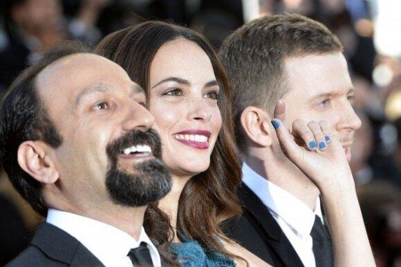 Irano režisierius Asghar Farhadi, aktorė Berenice Bejo ir prodiuseris Axandre Maillet-Guy