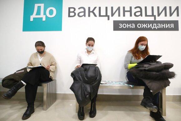 """Ekspertai stebisi: Rusijoje sklinda kalbos visai ne apie Putino išreklamuotą """"Sputnik"""""""