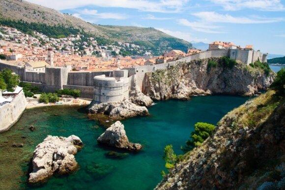 Turistų gausiai lankomiems rojaus kampeliams gresia pavojus