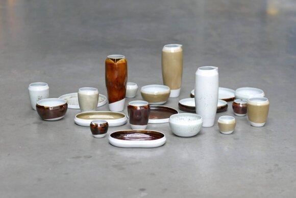 Porceliano indų spalva gauta, panaudojant metalų atliekas