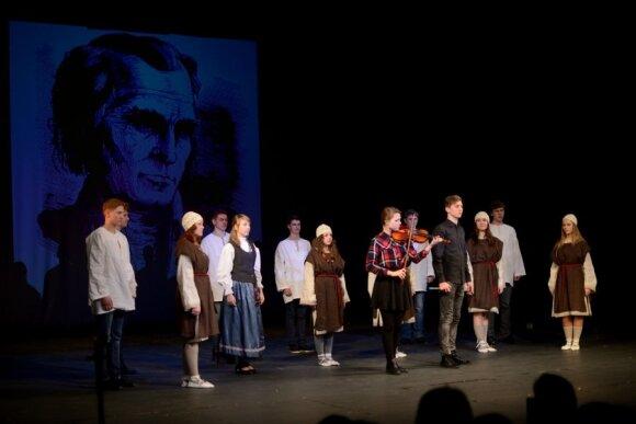 На сцене объединились литовцы, русские и цыгане: что получилось