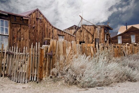Autentiškiausi Laukinių Vakarų potyriai - turistų laukiančioje apleistoje gyvenvietėje