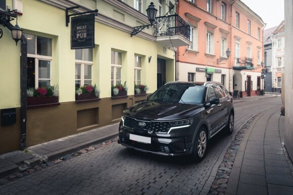 """Lietuvą pasiekė naujas """"Kia Sorento"""": vadina vienu erdviausių septynviečiu SUV"""