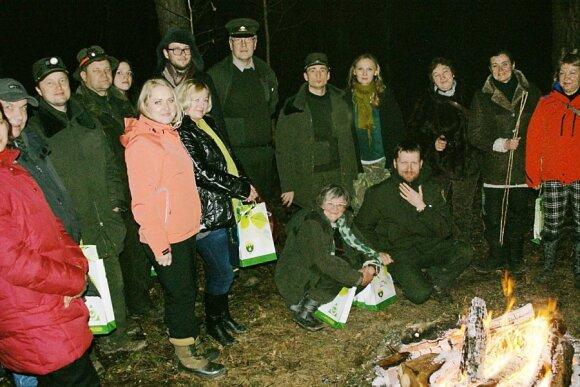 Žurnalistai ir miškininkai naktį bandė susišnekėti su pelėdomis