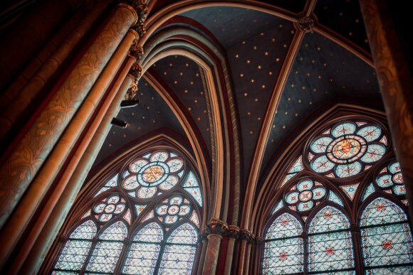 Paryžiaus Švč. Dievo Motinos katedros vitražai
