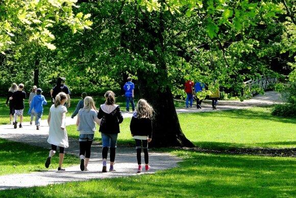 Mažo miestelio gyventojai susivienijo bendram tikslui – nenori, kad vaikai bastytųsi gatvėse