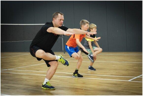 Treneris Sergejus Leonavičius dirba su vaikais / Foto: R. Kanapeckas
