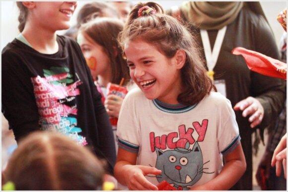 Pas pabėgėlius vykusios merginos papasakojo, ką patyrė Turkijos ir Sirijos pasienyje