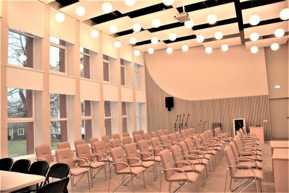 Ukmergės biblioteka atsinaujino: neatpažįstamai pasikeitusi salė, modernios naujovės ir robotų konstravimo užsiėmimai