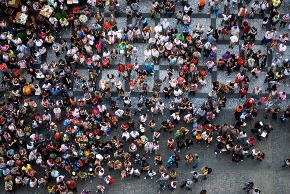 Praha nebenori ankstesnių turistų antplūdžių ir svarsto, kaip to išvengti