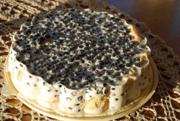 Nekeptas gaivus mėlynių pyragas