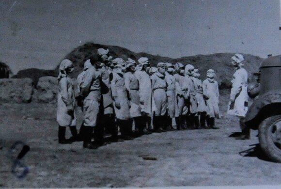 Kaliniai Pingfango stovykloje