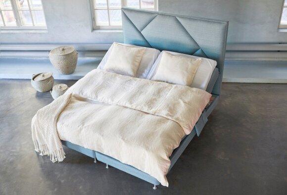 """""""Unigold Haave"""" motorinė miegamojo lova (ISKU nuotr.)"""