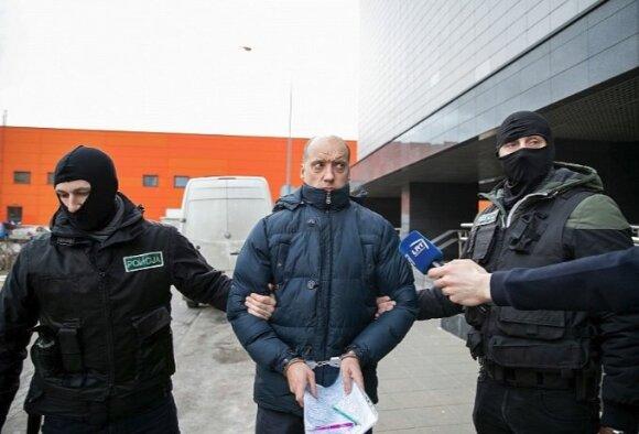 Teisėjų korupcijos byla: į teismą atvestas Klaipėdoje praktikuojantis advokatas Marius Navickas